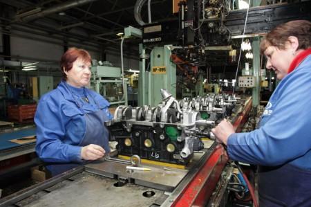 Высокотехнологичный процесс сборки двигателя